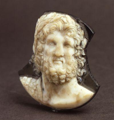 Cammeo Zulian con la rappresentazione di Giove Egioco, II sec. d.C. Venezia, Polo Museale del Veneto, Museo Archeologico Nazionale di Venezia