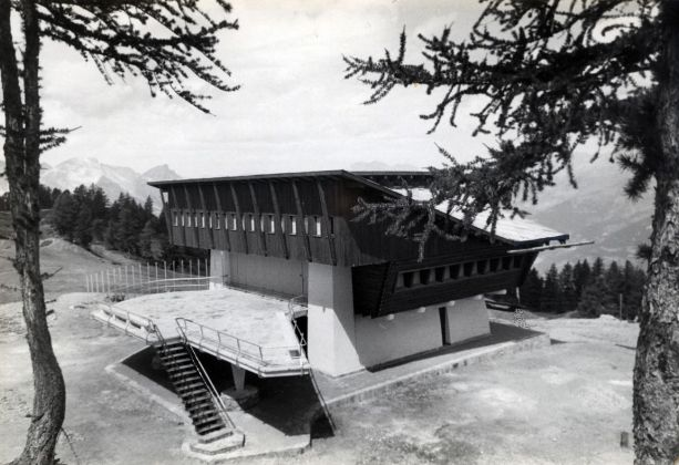 Carlo Mollino, Stazione albergo al Lago Nero, Sauze d'Oulx, 1947 ca. Politecnico di Torino, sezione Archivi biblioteca Roberto Gabetti, Fondo Carlo Mollino