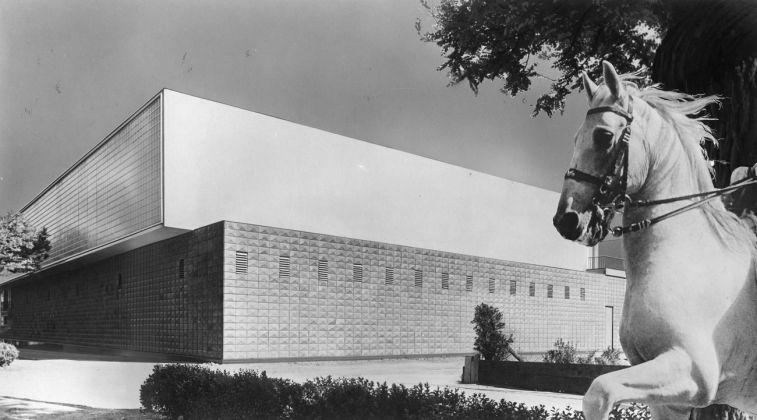 Carlo Mollino e Riccardo Moncalvo, Società Ippica Torinese, fotomontaggio, 1941. Politecnico di Torino, sezione Archivi biblioteca Roberto Gabetti, Fondo Carlo Mollino
