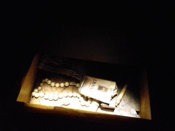 Collana di perle e sigarette Diana (blu), Alda Merini. Museo della Follia, Basilica di Santa Maria alla Pietrasanta, Napoli 2017. Photo Fabio Pariante