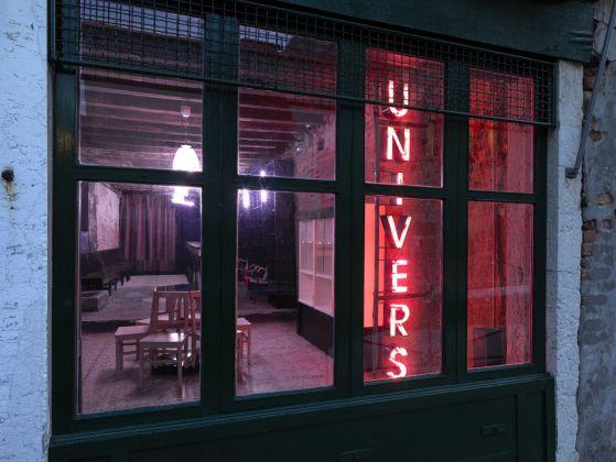 Flavio Favelli, Univers - Un negozio metafisico, 2017. Fondamenta Sant'Anna, Venezia. Photo Dario Lasagni