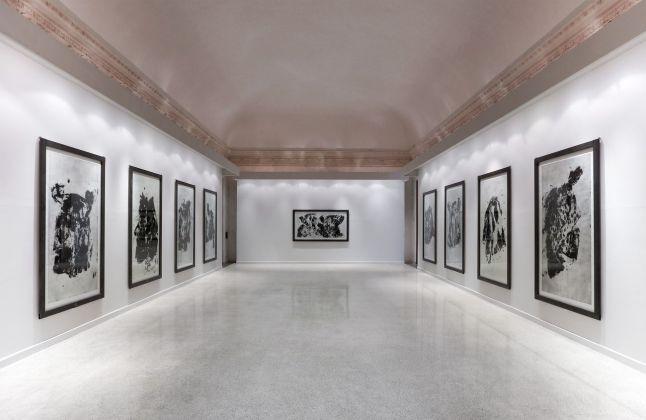 Jannis Kounellis, Senza titolo, 2014 carborundum. Installation view at Istituto centrale per la grafica Palazzo Poli, Roma 2017. Photo Stefano Tubaro