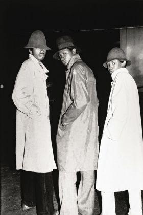 Malick Sidibé, Les faux agents du FBI, 1974. Courtesy collection André Magnin © Malick Sidibé