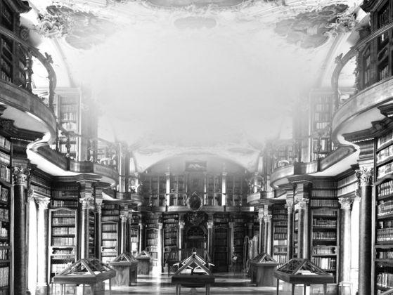 Mariella Bettineschi, L'era successiva Biblioteca Monastero dei Benedettini, San Gallo (Svizzera), 2015. Courtesy l'artista