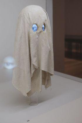 Paranormal. Tony Oursler vs Gustavo Rol. Installation view at Pinacoteca Agnelli, Torino 2017