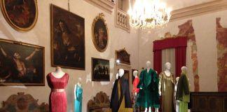 Ricerche di stile. Gli Archivi Mazzini a Palazzo Tozzoni. Sezione Le pieghe del tempo. Exhibition view, Imola 2018