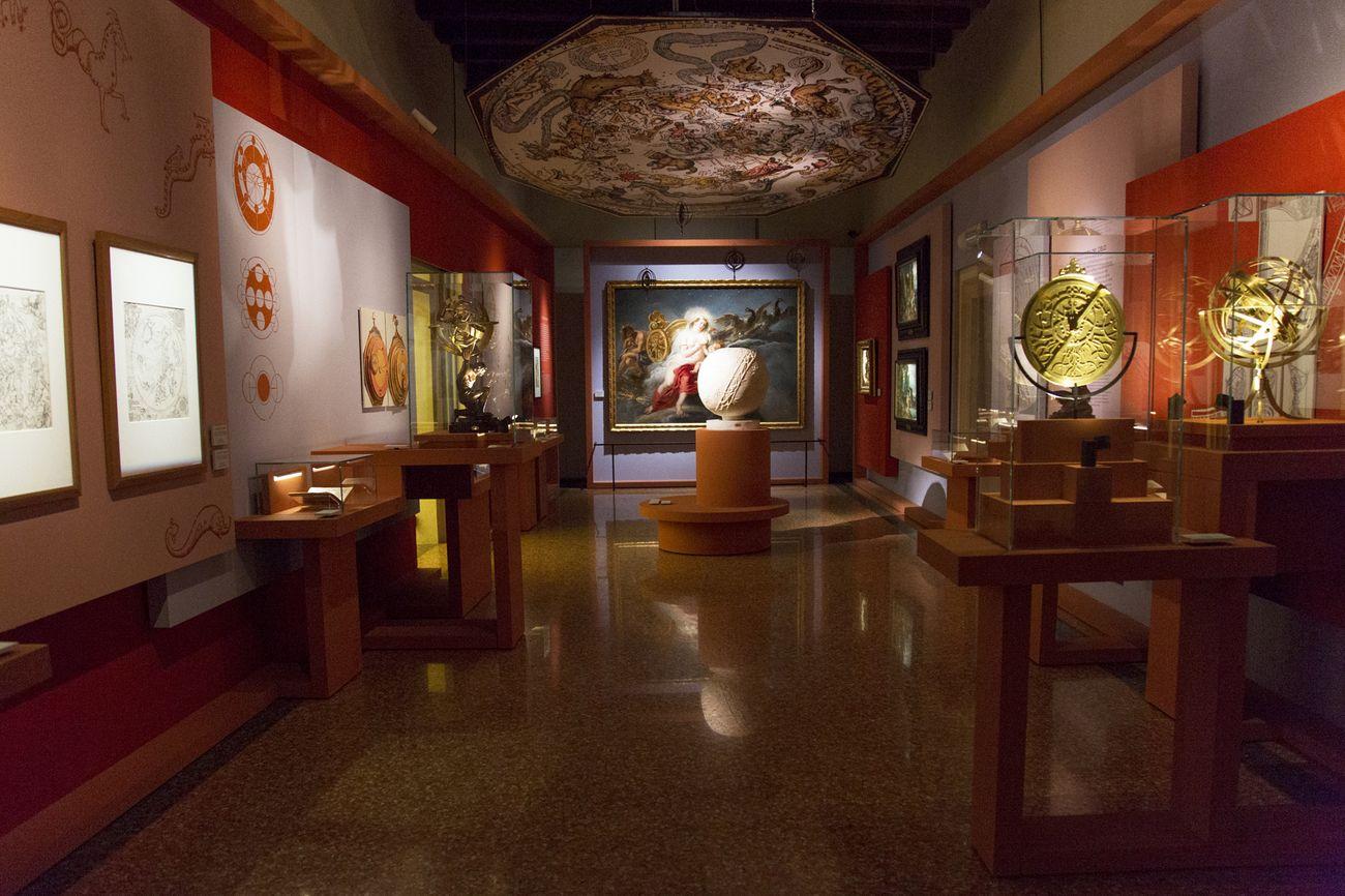Rivoluzione Galileo. L'arte incontra la scienza. Exhibition view at Palazzo del Monte di Pietà, Padova 2018