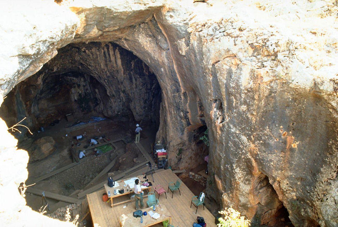 Siria. Grotta di Dederiyeh