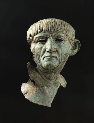 Testa maschile in bronzo con i tratti di Traiano. Inizi del II secolo d.C. da Nijmegen, Museum Het Valkhof, Nijmegen