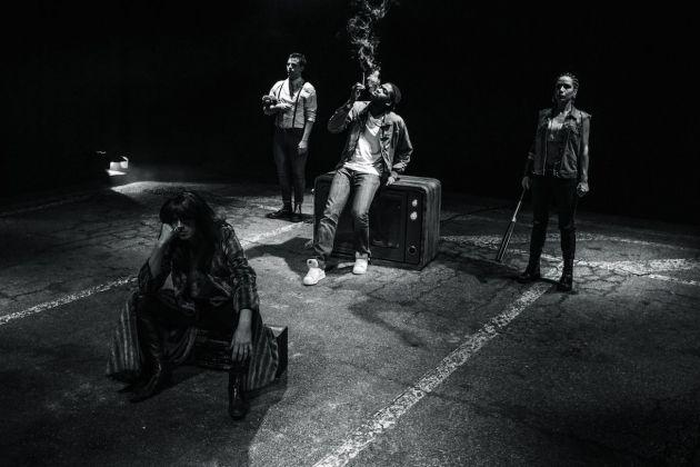 Tiago Rodrigues, Gioie e dolori nella vita delle giraffe. Teatro delle Passioni, Modena 2018. Photo Davide Silvi