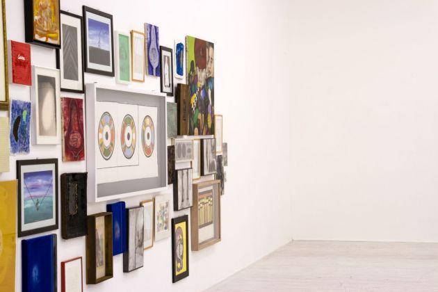 To bid or not to bid. Exhibition view at Galleria Thomas Brambilla, Bergamo 2018
