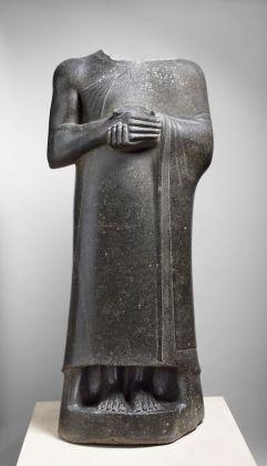 Gudea, prince de Lagash. Statue dite aux larges épaules dédiée à la déesse Ba'u, Département des Antiquités Orientales, © 2015 Musée du Louvre Thierry Ollivier