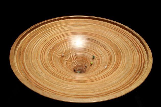 Buca Gravitazionale. Gioco interattivo sulla curvatura spaziotempo. Photo Cecilia Fiorenza, courtesy Fondazione MAXXI