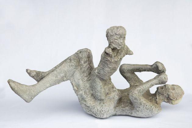 Copia del calco di un adulto che tiene in grembo il figlio, 1974-75. Pompei, Casa del Bracciale d'oro (VI 17, 42). Parco Archeologico di Pompei. Photo © Amedeo Benestante