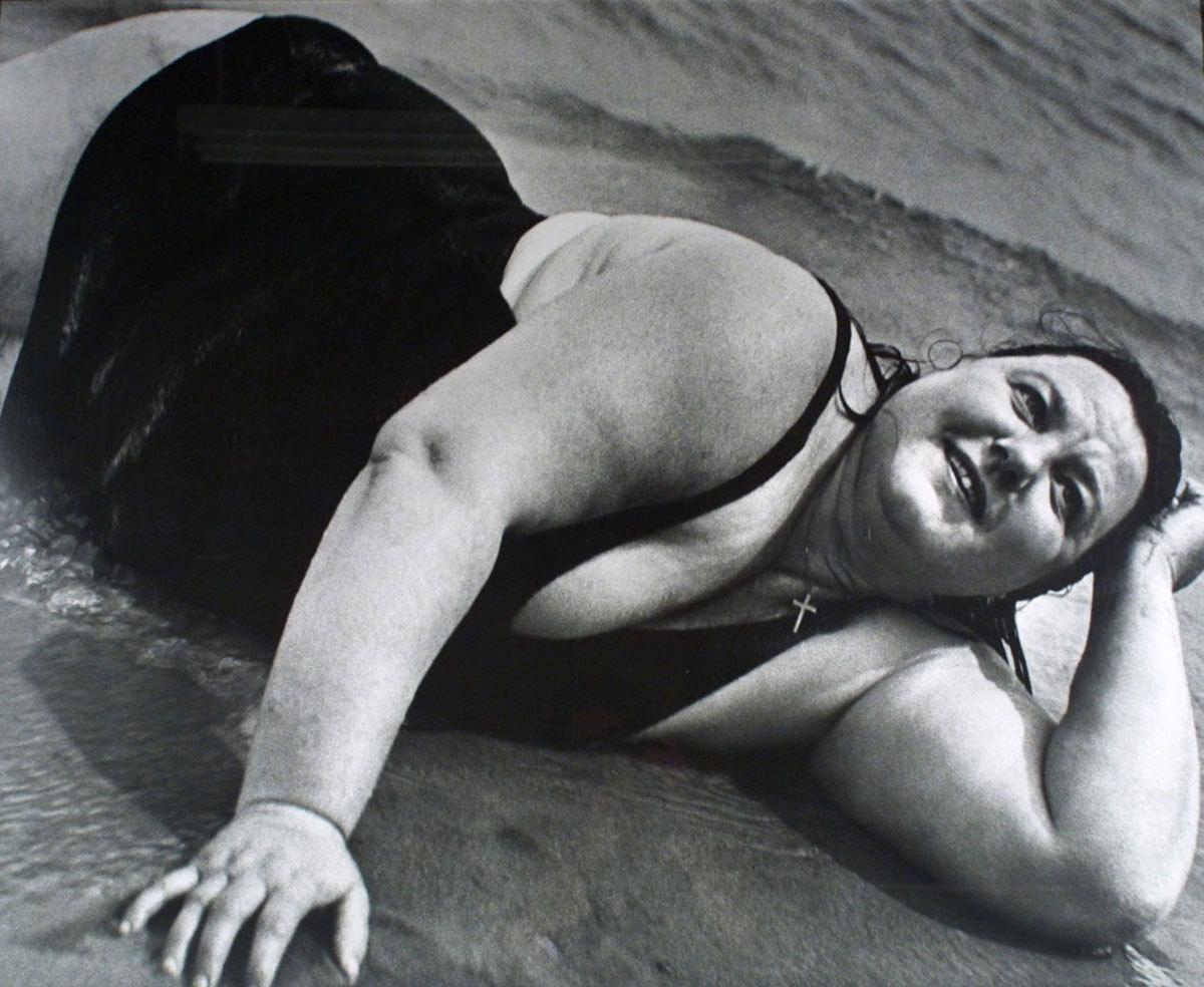 Lisette Model, Coney Island bather reclining, 1939-41