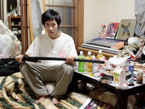 Francesco Jodice, Yasuaki, Hikikomori, 2004. Stampa inkjet su carta cotone, 65x83 cm. Galleria Civica di Modena, Raccolta della fotografia, StartFragment © Francesco Jodice