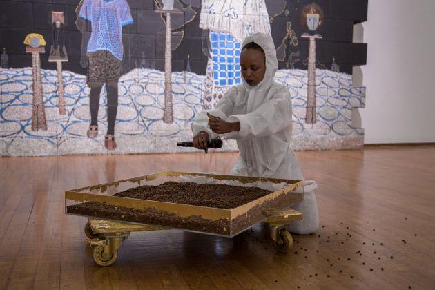Donna Kukama, Travelogue =Travel+Monologue. Performance at PAC, Milano 2017. Photo Nico Covre