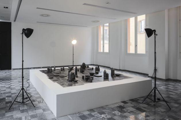 Elin Shirreff, Salone Banca di Bologna di Palazzo De' Toschi, veduta dell'allestimento. Foto di Carlo Favero. Courtesy dell'artista e Sikkema Jenkins & Co., New York