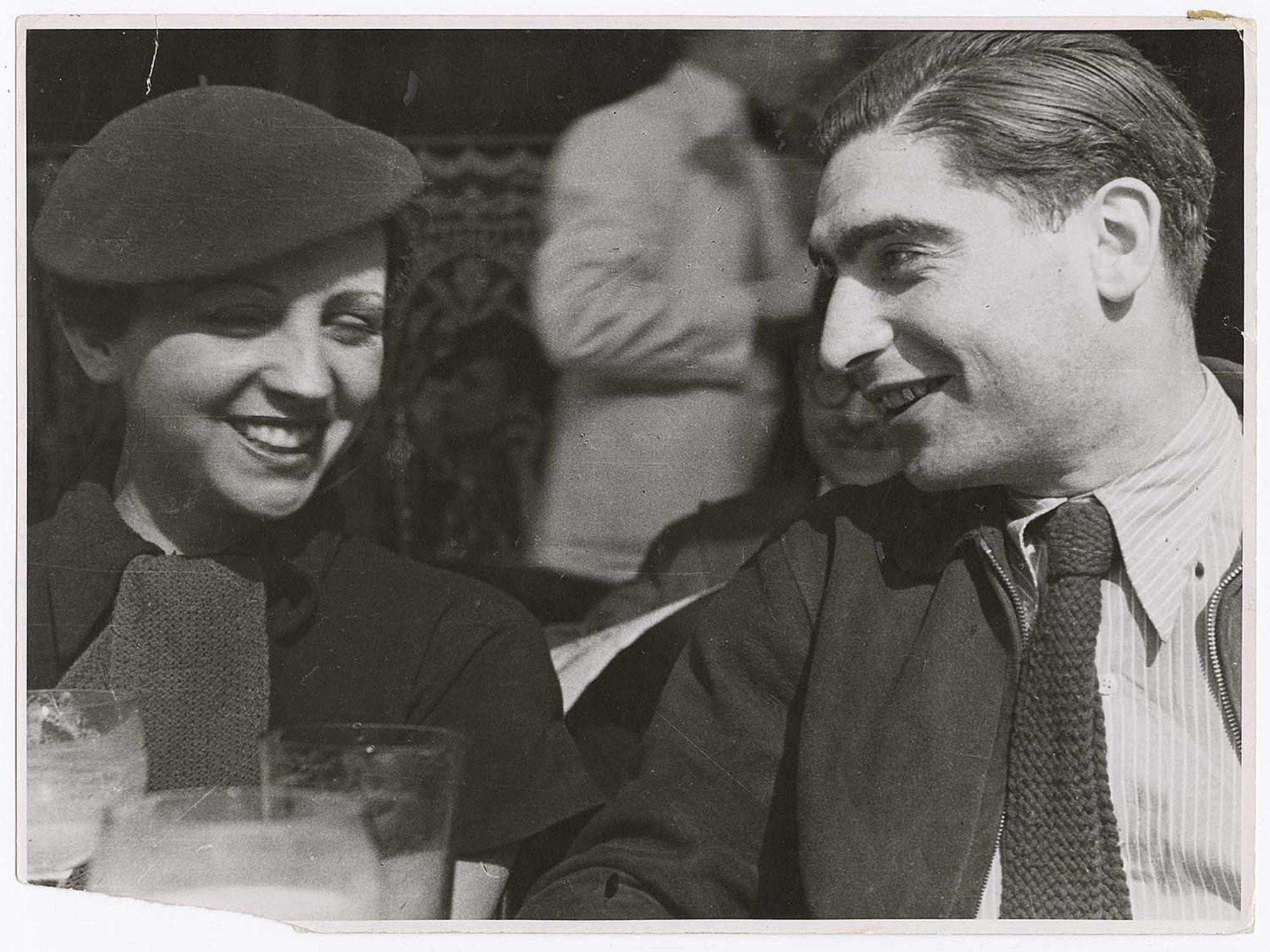 Fred Stein, Gerda Taro e Robert Capa, 1935