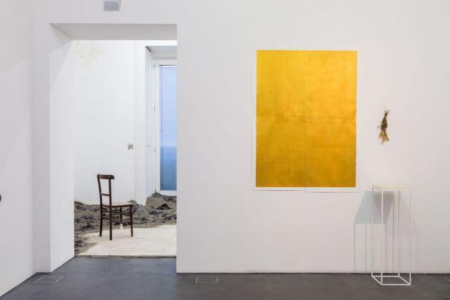 Gian Maria Tosatti. Damasa. Installation view at Galleria Lia Rumma, Napoli. © Gian Maria Tosatti. Photo credit Danilo Donzelli. Courtesy Galleria Lia Rumma, Milano-Napoli