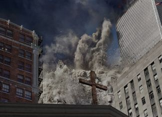 La torre sud del World Trade Center collassa in seguito allo schianto dell'aereo. USA, New York, 2001 © James Nachtwey/Contrasto