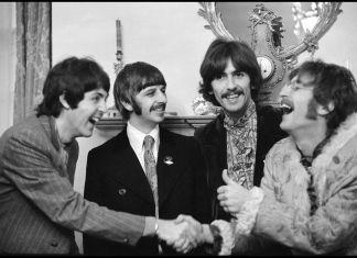 Linda McCartney, Beatles a casa di Brian Epstein, 1967 © MPL Communication. Riprodotta con il permesso di Paul McCartney