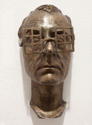 Man Ray, Autoportrait, 193771, Bronze auf Plexiglas, Collection Marion & Eva Meyer, Paris © Galerie Eva Meyer, Paris. © MAN RAY TRUSTBildrecht, Wien, 2017