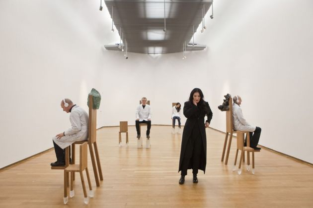 Marina Abramovic, The Abramovic Method. Performance at PAC, Milano 2012. Photo Laura Ferrari