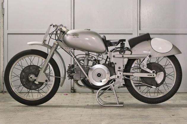 Moto Guzzi Gambalunga, 500 cc, 1949. Courtesy Associazione Siciliana Veicoli Storici. Photo G. Mineo