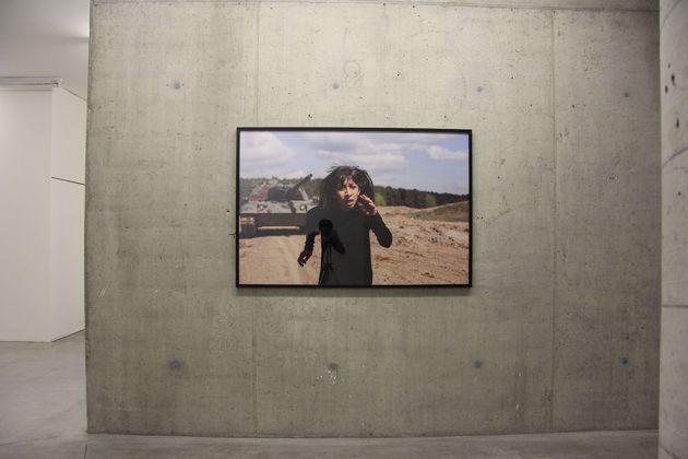 Regina José Galindo, La Sombra, 2017. Documenta14, Installation view. Courtesy l'artista e prometeogallery di Ida Pisani, Milano Lucca