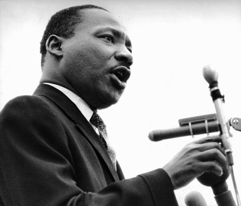 Rev. Dr. Martin Luther King Jr. a United Nations Plaza, 15 aprile 1967, Christian Science Monitor © Christian Science Monitor