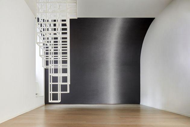 Sol LeWitt. Between the Lines. Installation view at Fondazione Carriero, Milano 2017. Photo Agostino Osio. Courtesy Fondazione Carriero, Pace Gallery, Collezione Morra Greco, Napoli