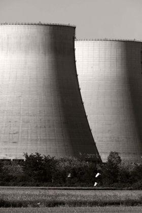 """Sohei Nishino, Centrale termoelettrica Galileo Ferraris, Leri Cavour, Piemonte, dalla serie """"Il Po"""", agosto 2017 © Sohei Nishino"""