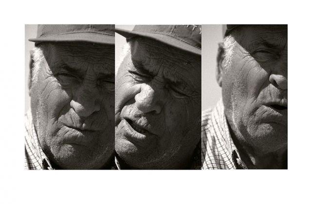 """Sohei Nishino, Pescatore di 85 anni, Delta del Po, Bonelli, Porto Tolle, Veneto, dalla serie """"Il Po"""", maggio 2017 © Sohei Nishino"""
