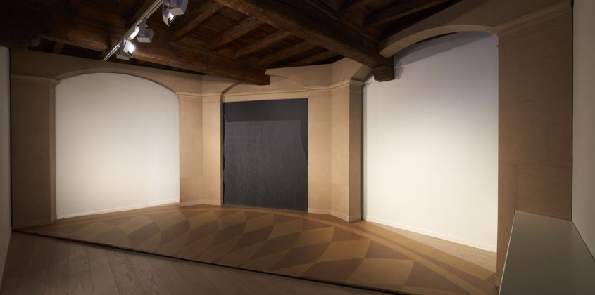 Sol LeWitt. Between the Lines. Installation view at Fondazione Carriero, Milano 2017. Photo Agostino Osio. Courtesy Fondazione Carriero, Estate of Sol LeWitt