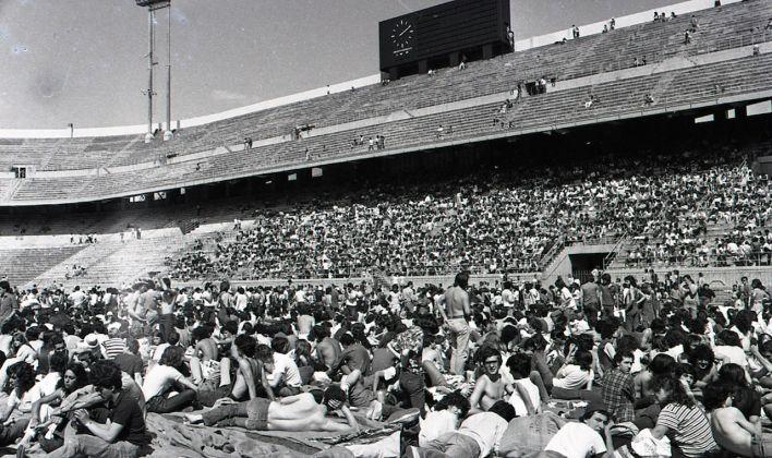 Il pubblico aspetta Bob Marley prima del concerto a Milano il 29 giugno 1980, Courtesy Archivio ANSA