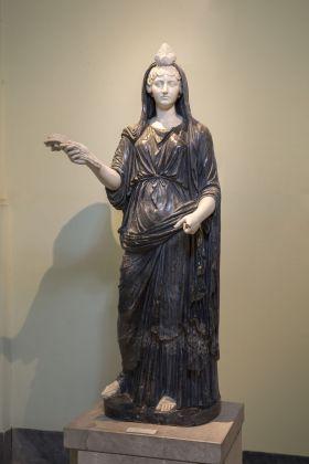 Statue di Iside-Fortuna, dagli Orti Farnesiani, Napoli, Museo Archeologico Nazionale, © ph Claudio Sabatino