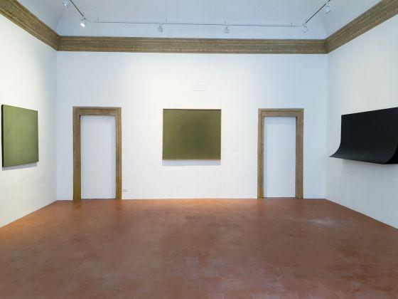 Il nuovo spazio di Sergio Casoli e Mattia De Luca con la mostra di Francesco Lo Savio