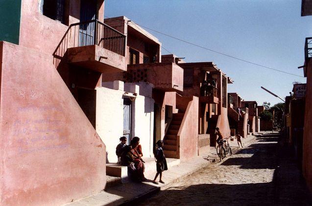 Aranya Low Cost Housing 1989