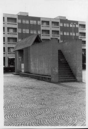 Aldo Rossi, Piazza del Municipio e Monumento ai Partigiani, Segrate, 1965-67. Courtesy Fondazione Aldo Rossi