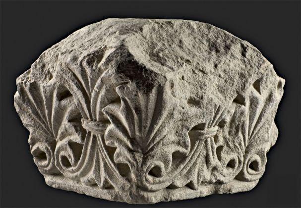 Capitello di lesena o pilastro da Carpineti, Pieve di San Vitale. Deposito Carpineti, Pieve di San Vitale