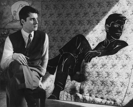 Cesare Tacchi nel suo studio, Roma 1965. Photo Plinio De Martiis Archivio Galleria Il Segno, Roma