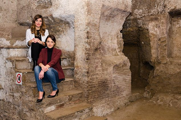 Chiara Pirozzi e Alessandra Troncone, curatrici di Underneath the Arches. Photo © Antonio Picascia