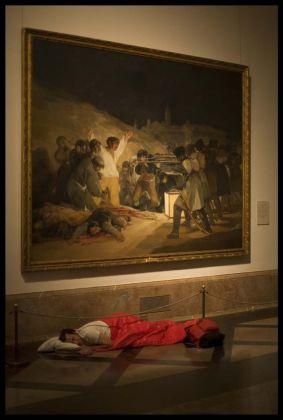 Eugenio Ampudia, Dónde dormir. Goya, 2008. Still da video