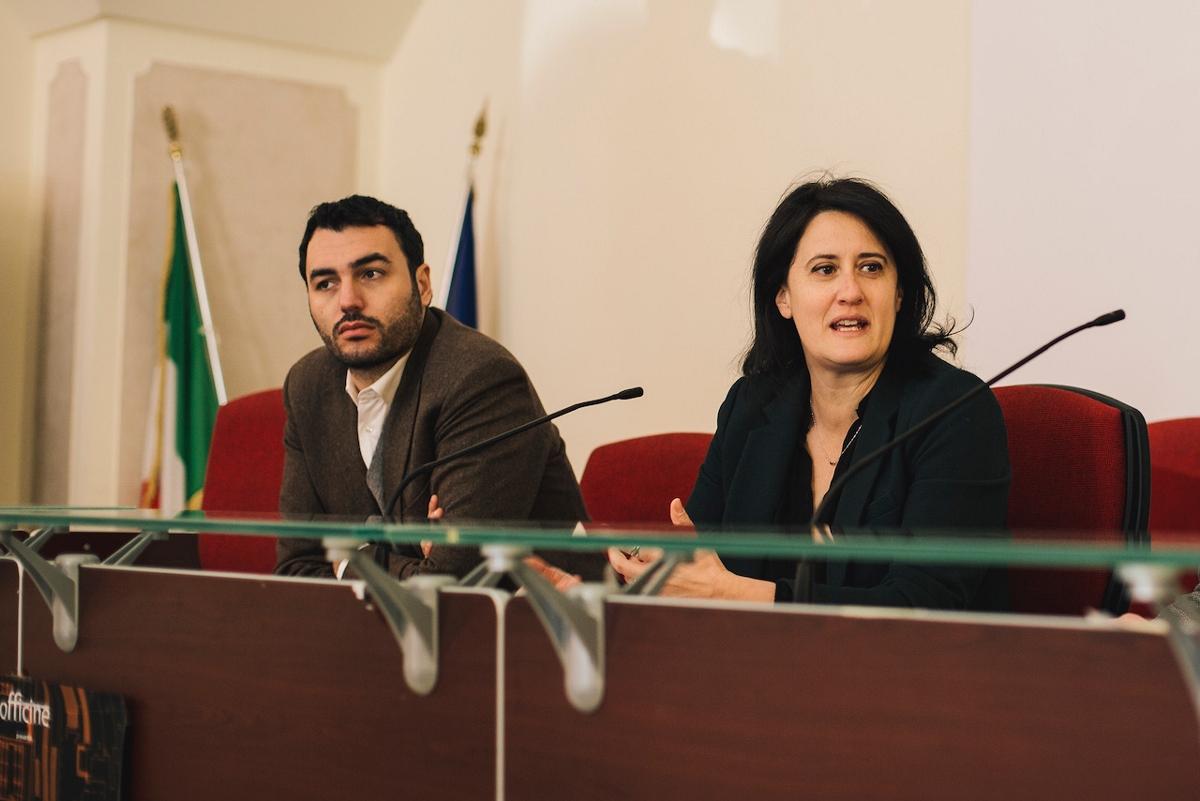 Foto conferenza stampa con Alessandro Delli Noci e Valeria Potì