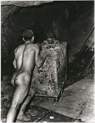 Fulvio Roiter, Miniera di zolfo in Sicilia, 1953 © Fondazione Fulvio Roiter