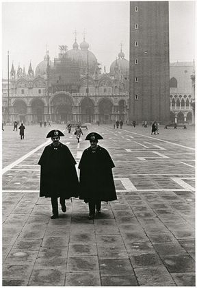 Fulvio Roiter, Venezia, Piazza San Marco, 1980 © Fondazione Fulvio Roiter