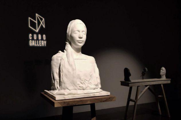 Ilaria Gasparroni. Di carne e di marmo il desiderio. Exhibition view at Cubo Gallery, Parma 2018. Photo © Marco Bottelli