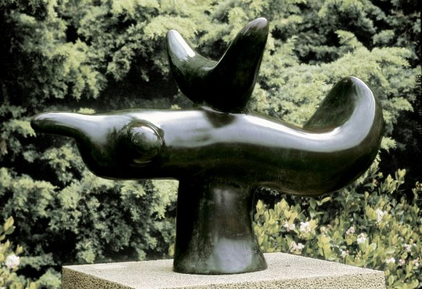 JOAN MIRÓ, Oiseau solaire, 1966, Bronce, Successió Miró. Depositada en la Fundació Pilar i Joan Miró a Mallorca. ©Successió Miró 2018