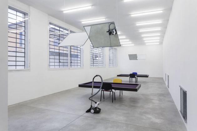 Jason Dodge. Exhibition view at Galleria Franco Noero - via Mottalciata, Torino 2018
